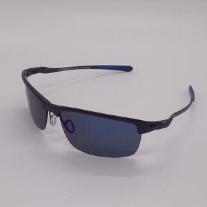fd353c44837 Oakley Accessories - Oakley Carbon Blade OO9174 Men s Sunglasses w Case